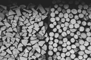 How to Stack Firewood - Cut end facing out